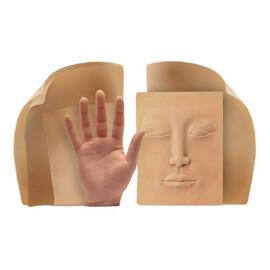 Искусственная кожа и манекены