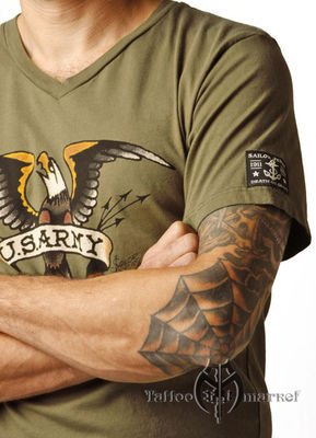 US Army V-Neck Tee